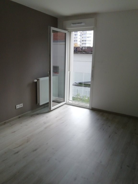 T3 récent 2ème étage avec grand blacon + garage