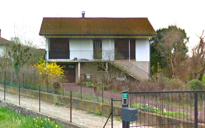 SAINT PIERRE DE CHANDIEU - Maison de 140 m2 à rénover