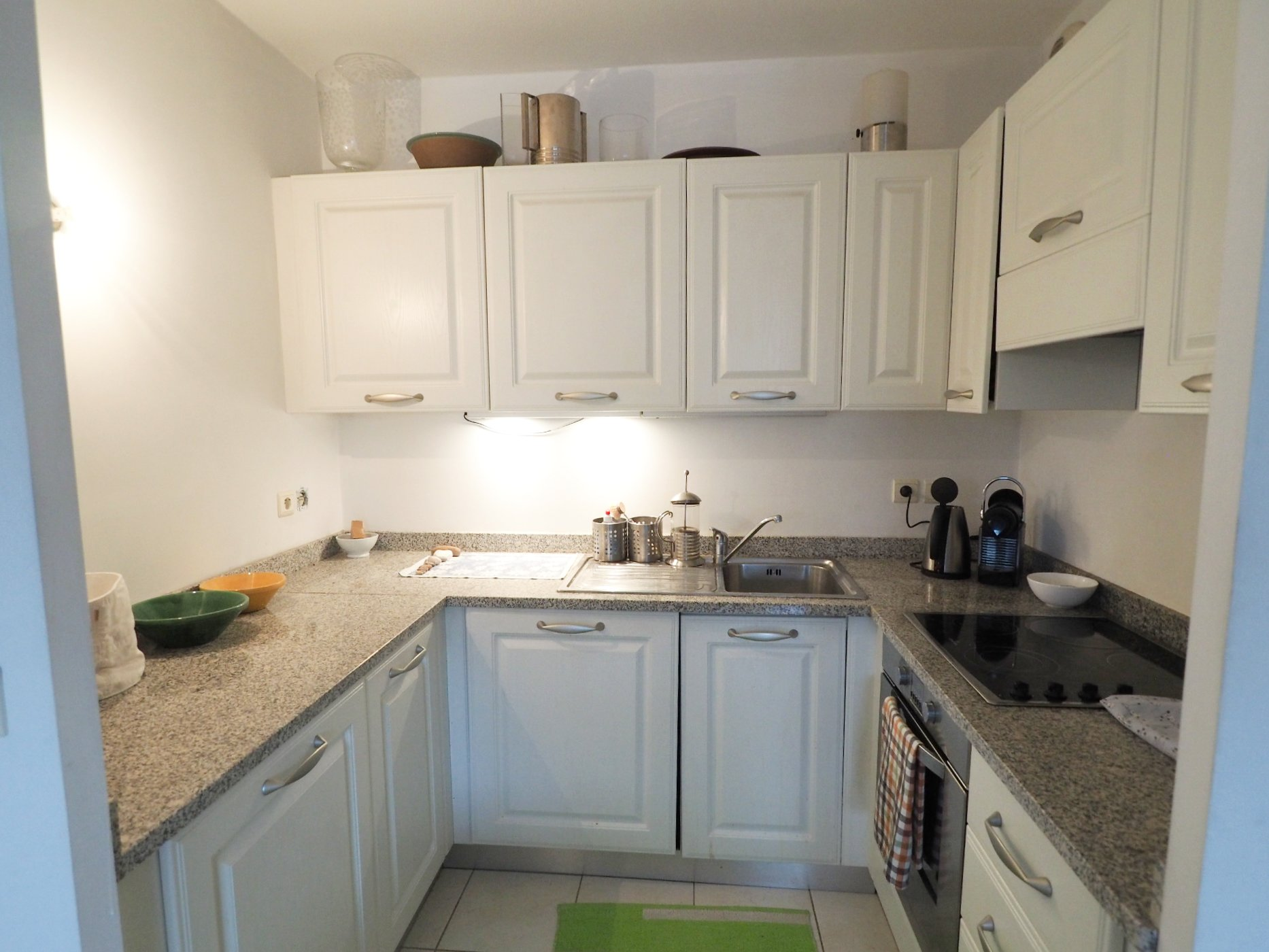 beautiful 1 bedroom apartment in private residence with pool