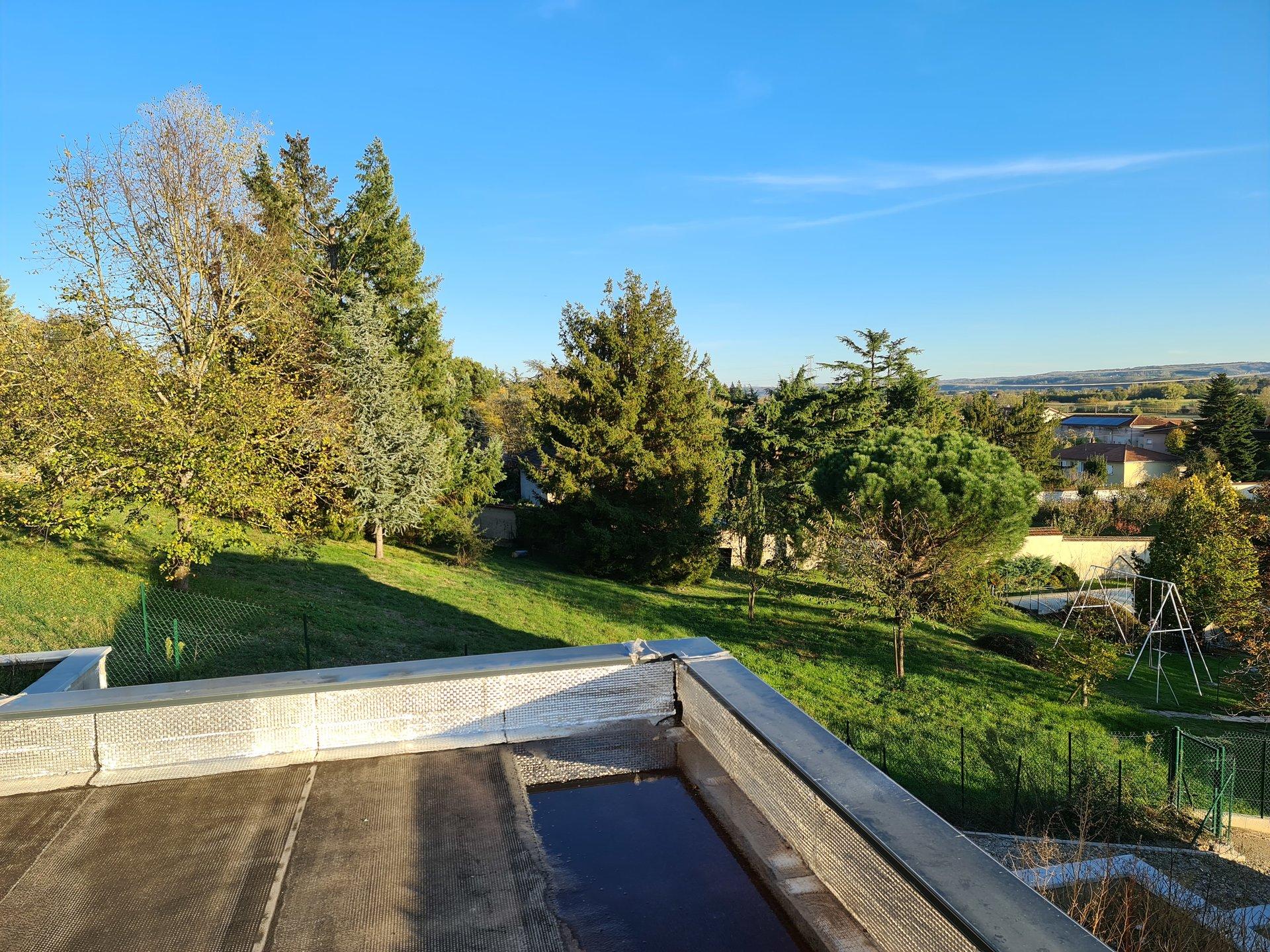 ESTRABLIN, Villa Neuve T4 de 100 m² avec garage et jardin