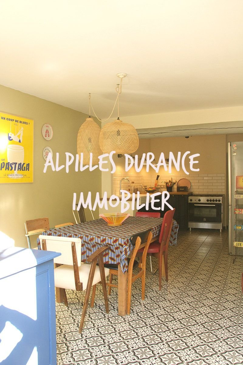 SAINT REMY DE Pce in 5 mn House of village with 3 rooms - office - stay / living room 40 m ² - cook
