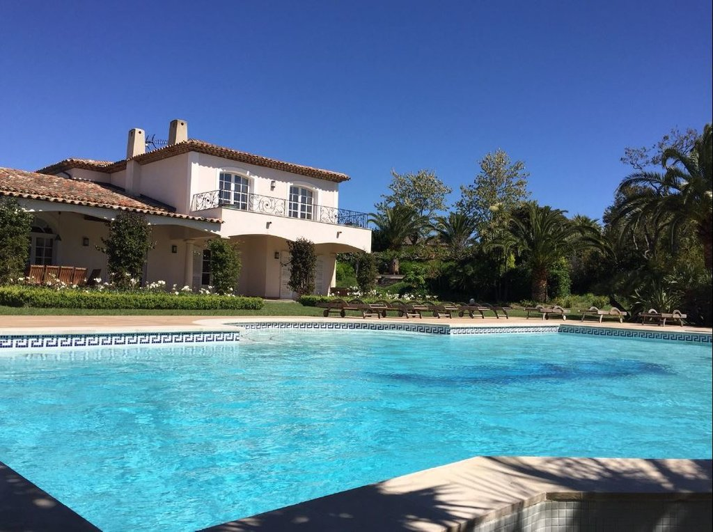 PROPERTY IN LES PARCS OF ST TROPEZ
