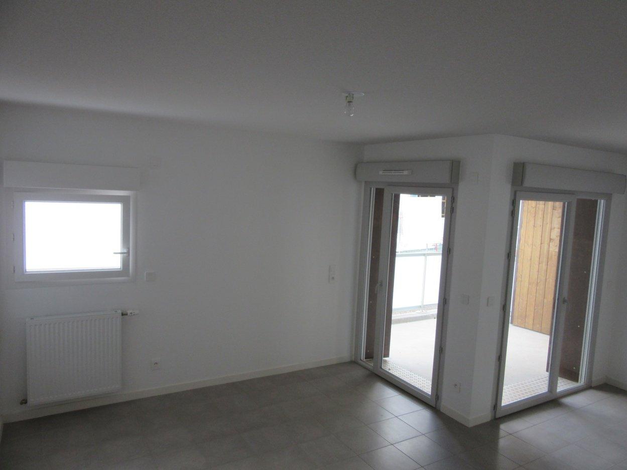 T3 plein sud avec balcon et garage
