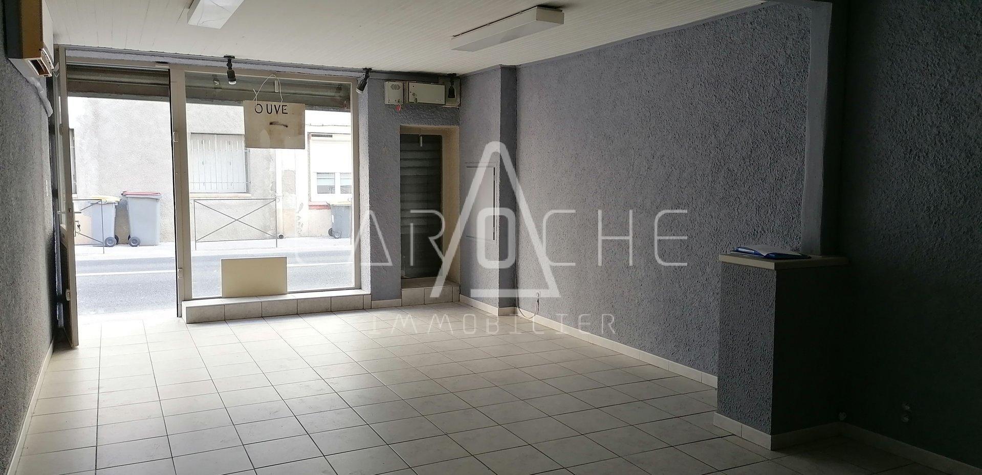LOCAL COMMERCIAL - 67 m² - ELNE