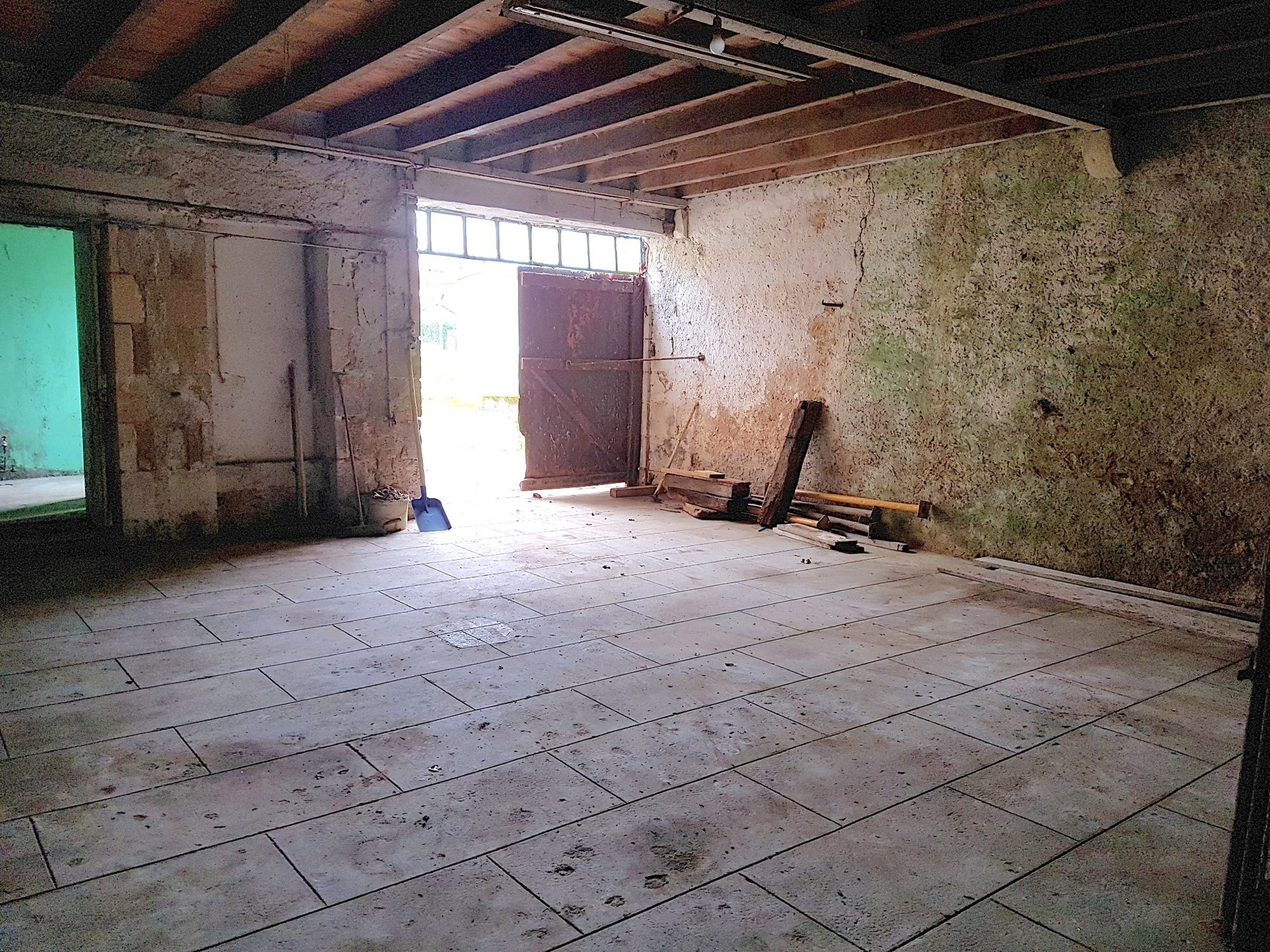 House to restore for sale near Montmorillon, Vienne 86
