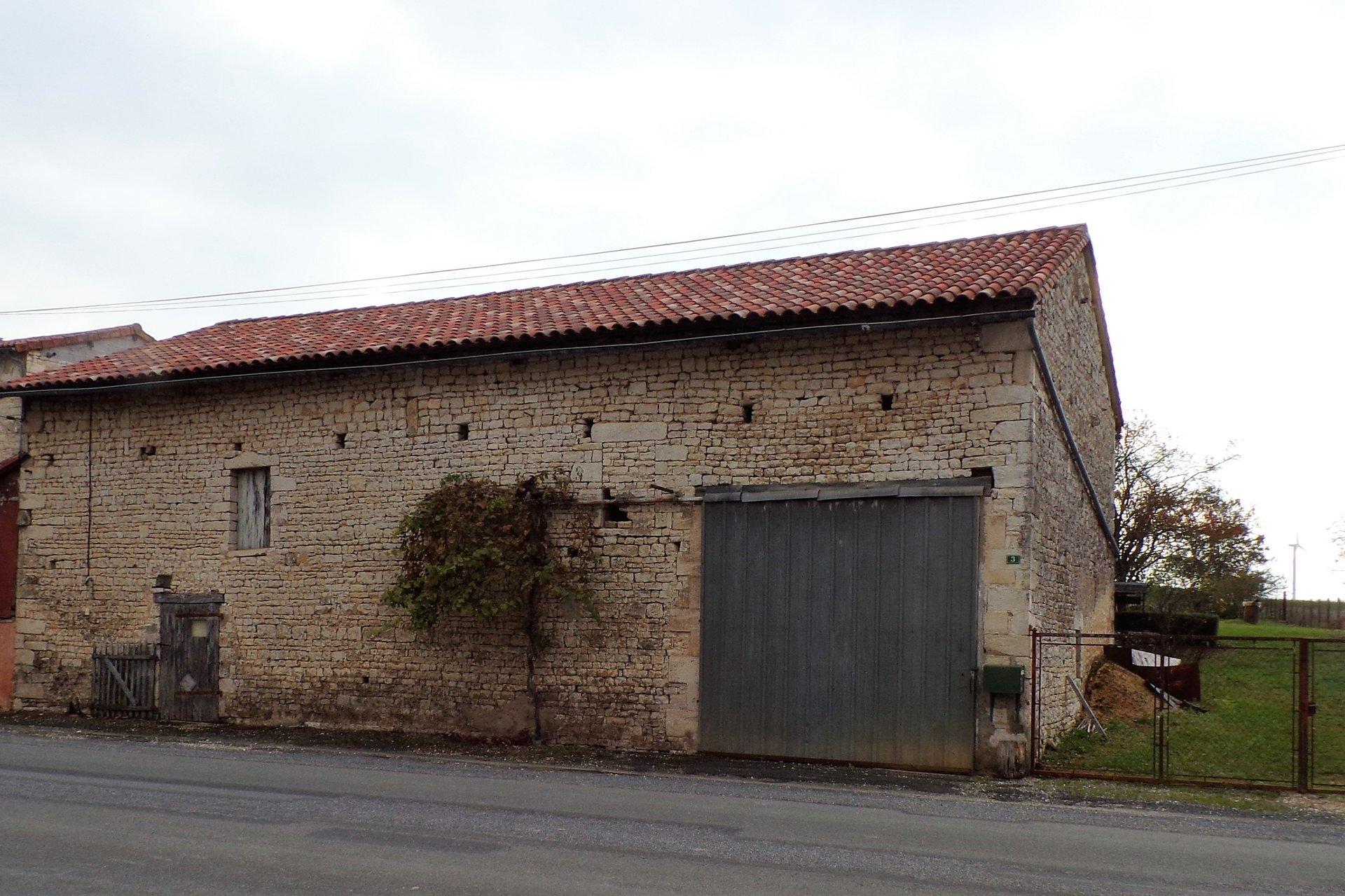 Sale Barn - Verteuil-sur-Charente