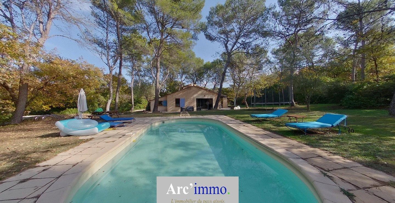 Villa T4 avec Piscine sur 2714m² de terrain