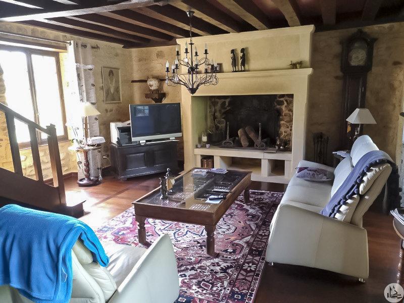 A VENDRE -  maison de village avec 5 chàc à Carlux (F)