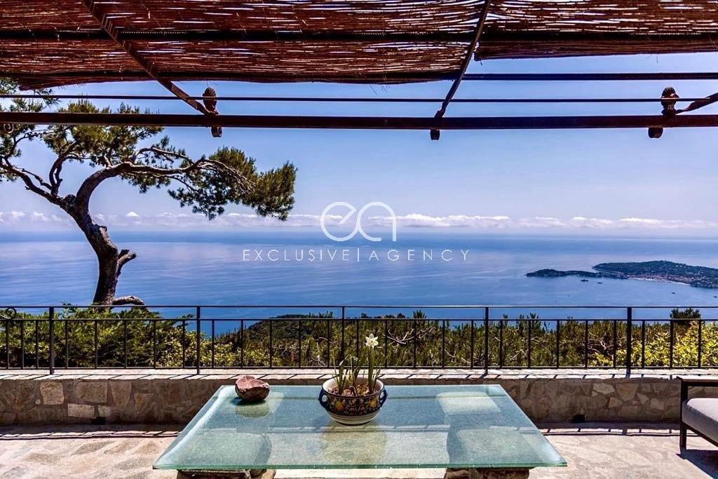 EZE LETTING FURNISHED VILLA 5 ROOMS 220m² _ EXCLUSIVE AGENCY