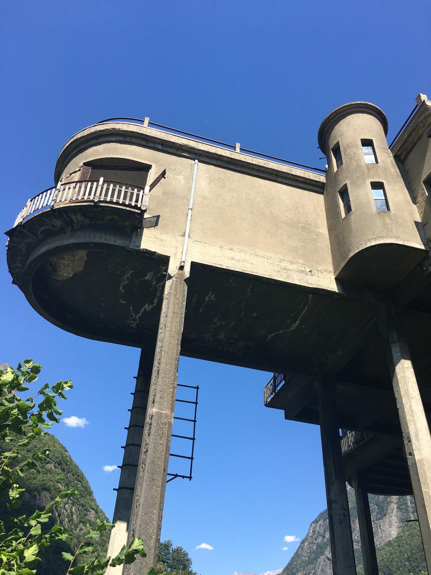 Pavillon de 1740 m2 à Rénover Livet Gavet