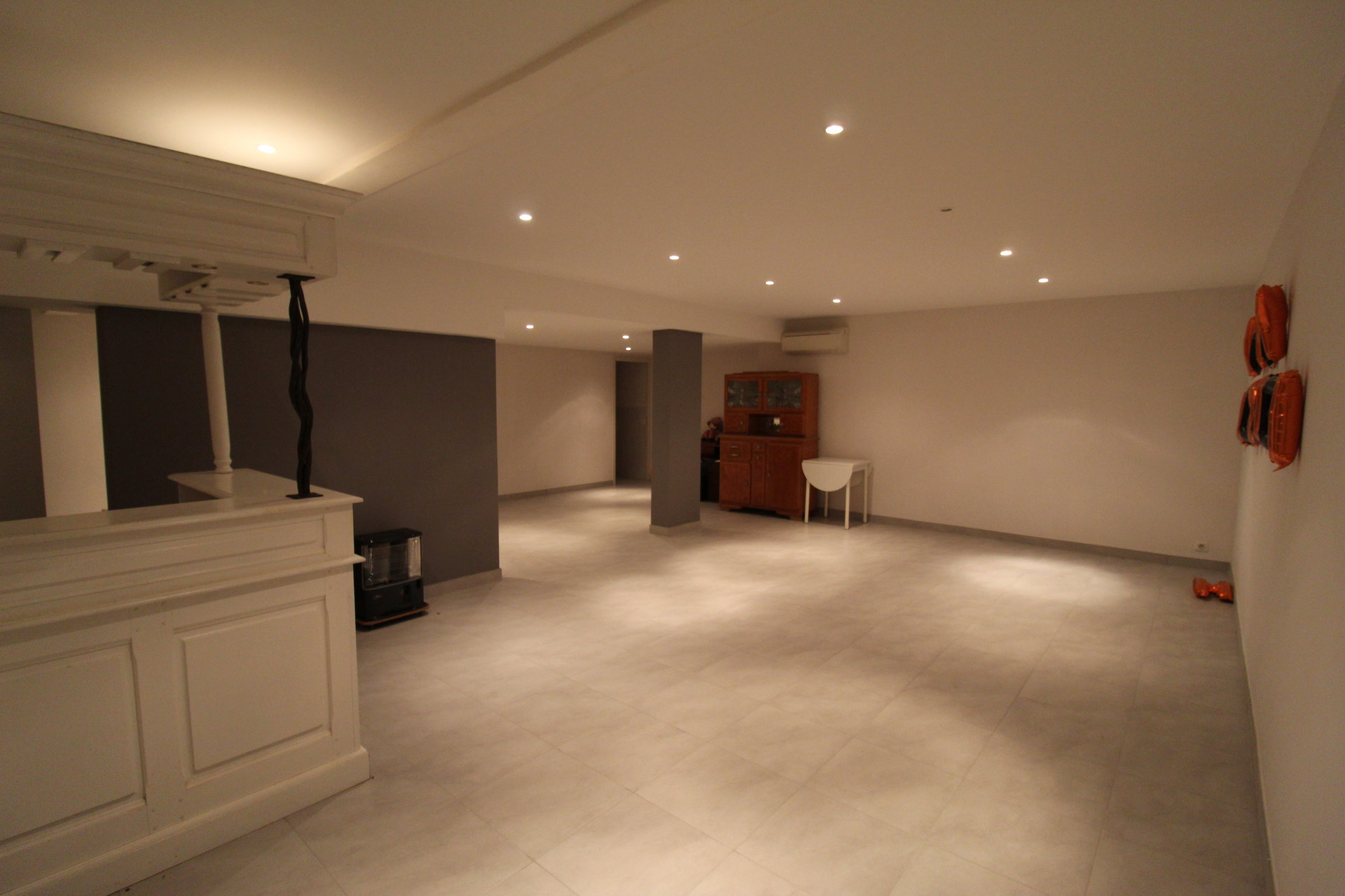 Villa with exceptional volumes and neat finishes !!