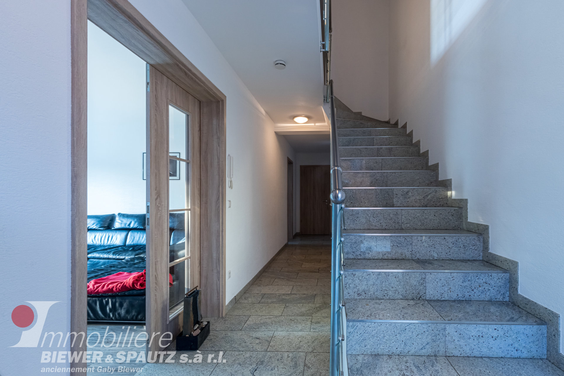 UNDER SALES AGREEMENT - triplex apartment with 4 bedrooms in Berbourg