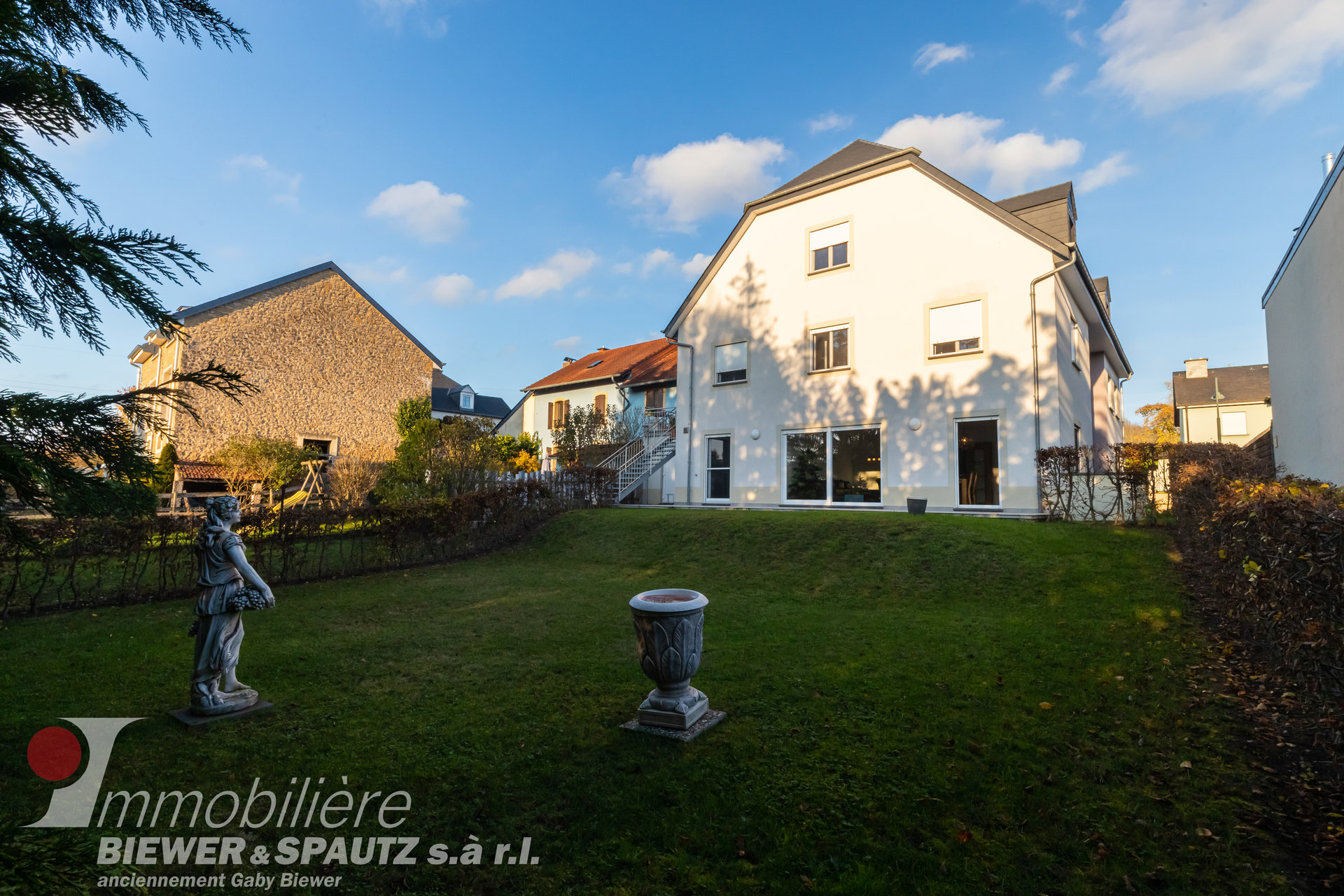 SOLD - triplex apartment with 4 bedrooms in Berbourg