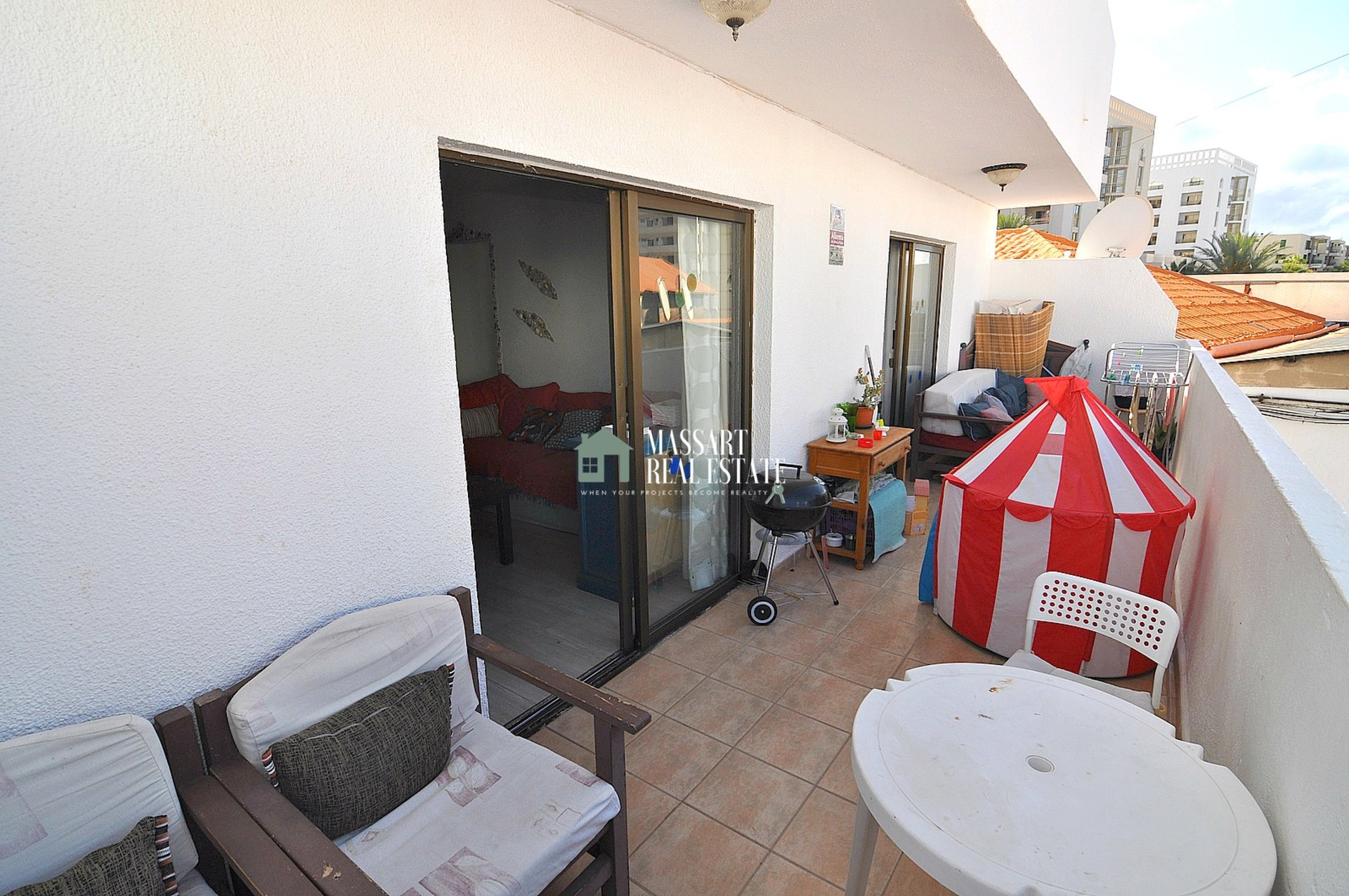 For sale in the center of Las Américas, fully furnished and recently renovated apartment ... with vacation license!