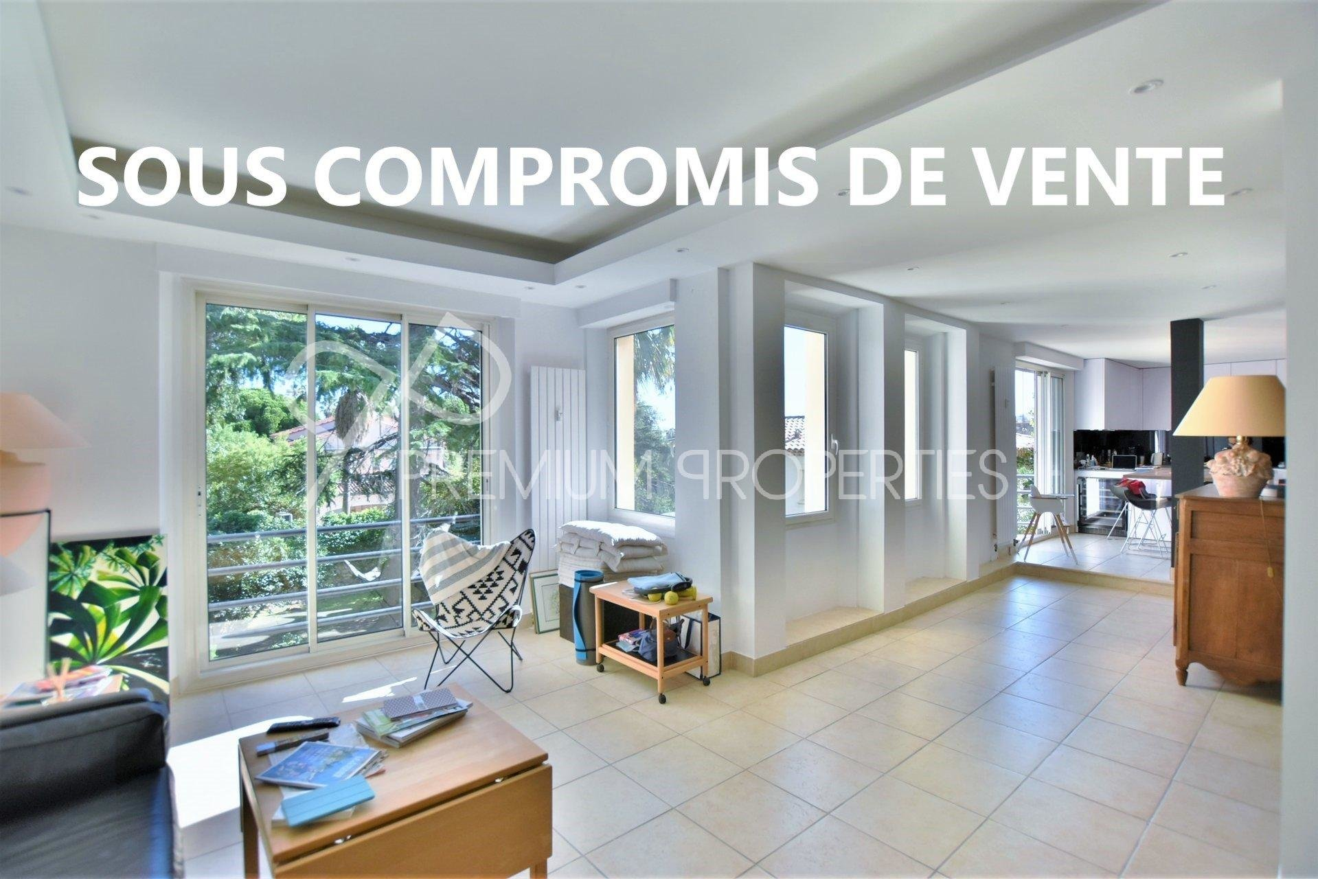 CANNES LOWER CALIFORNIE - VAST CONTEMPORARY APARTMENT