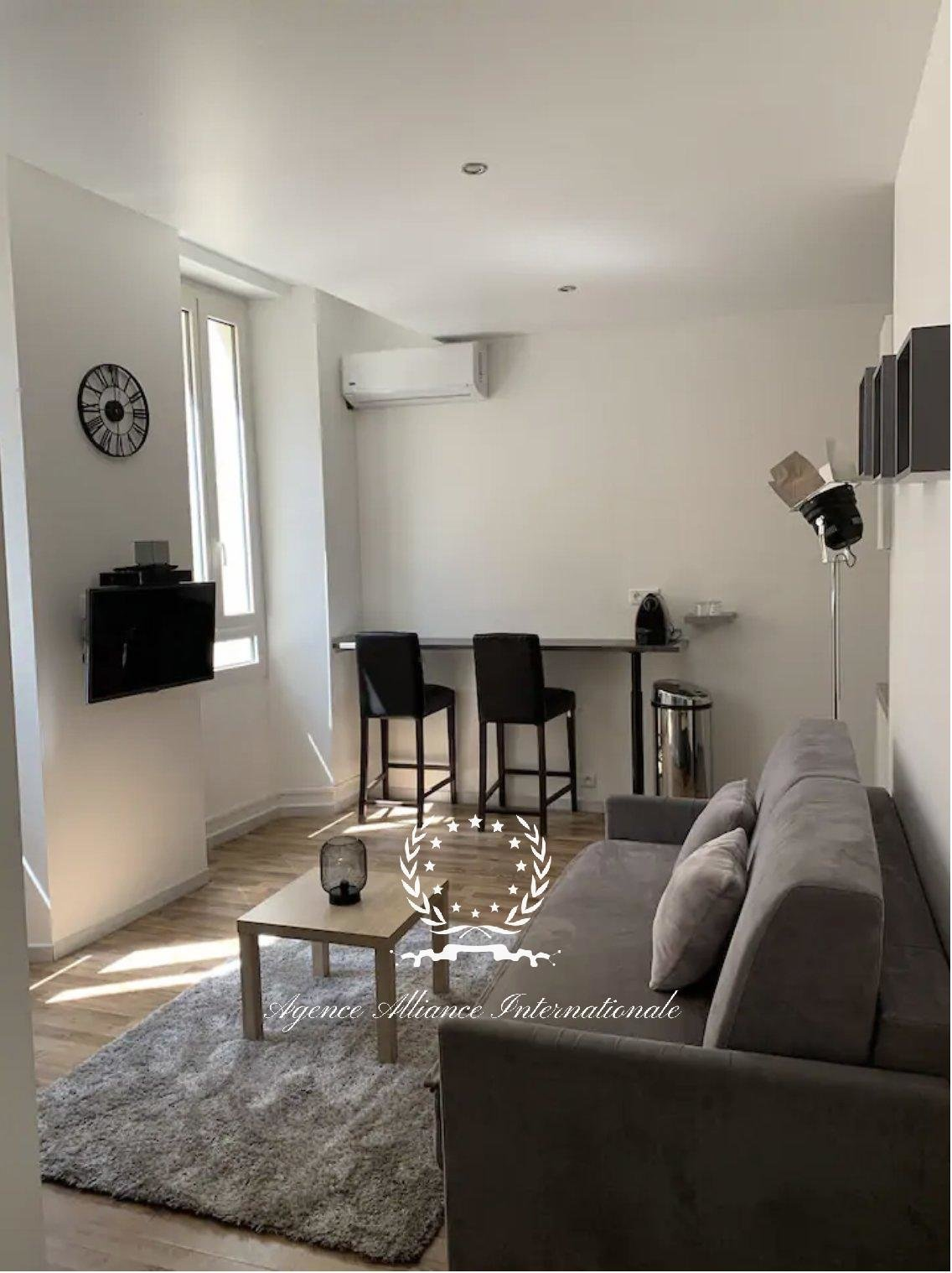 STUDIO - RENOVATED - AIR-CONDITIONED - 300M FROM THE PALAIS DES FESTIVALS
