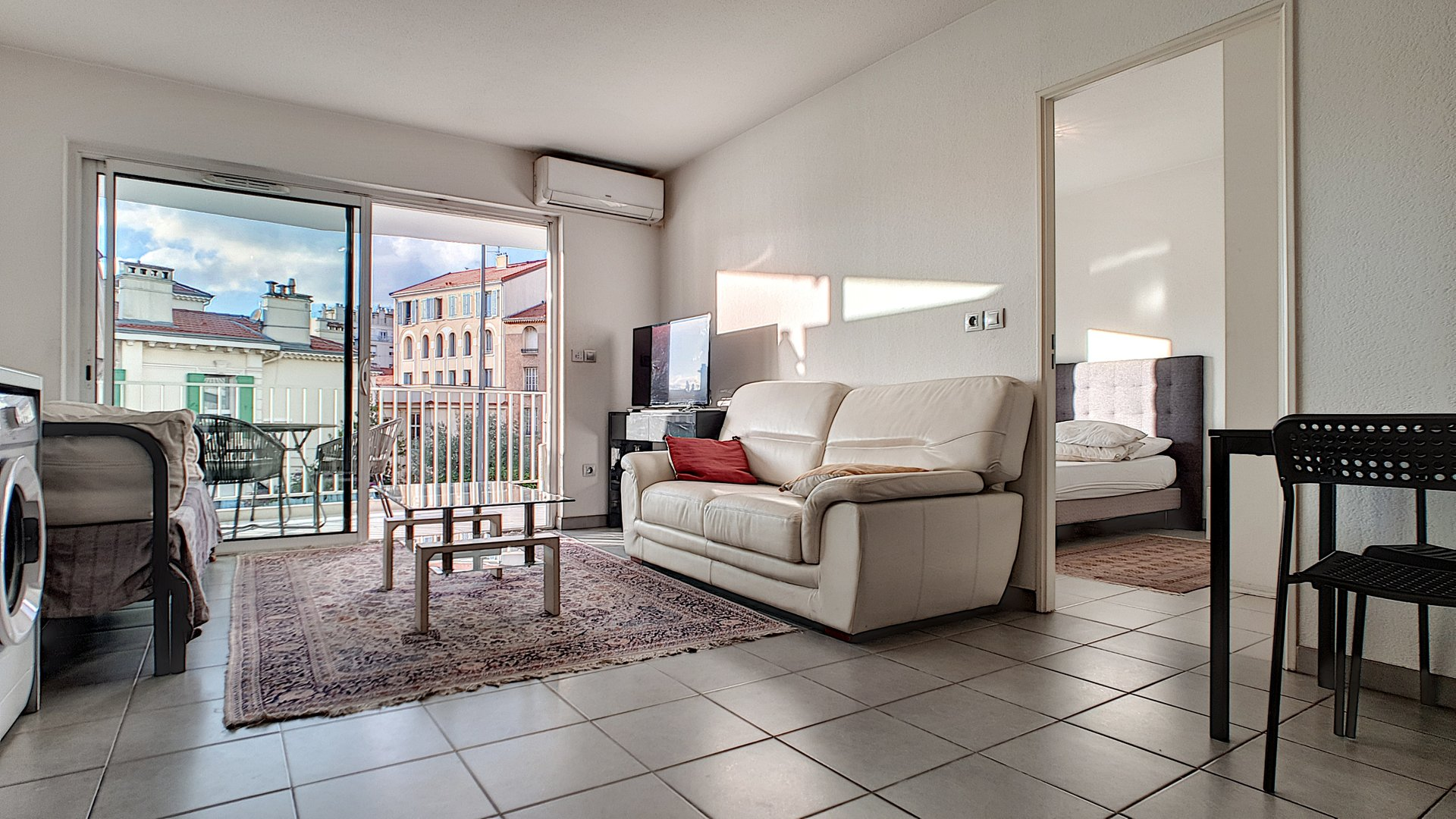 Apartment for sale in Cannes close to the centre
