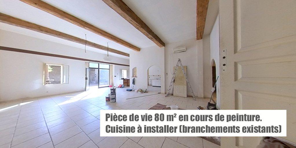 Maison en pierres T5/6 de 237 m², cour 153 m²