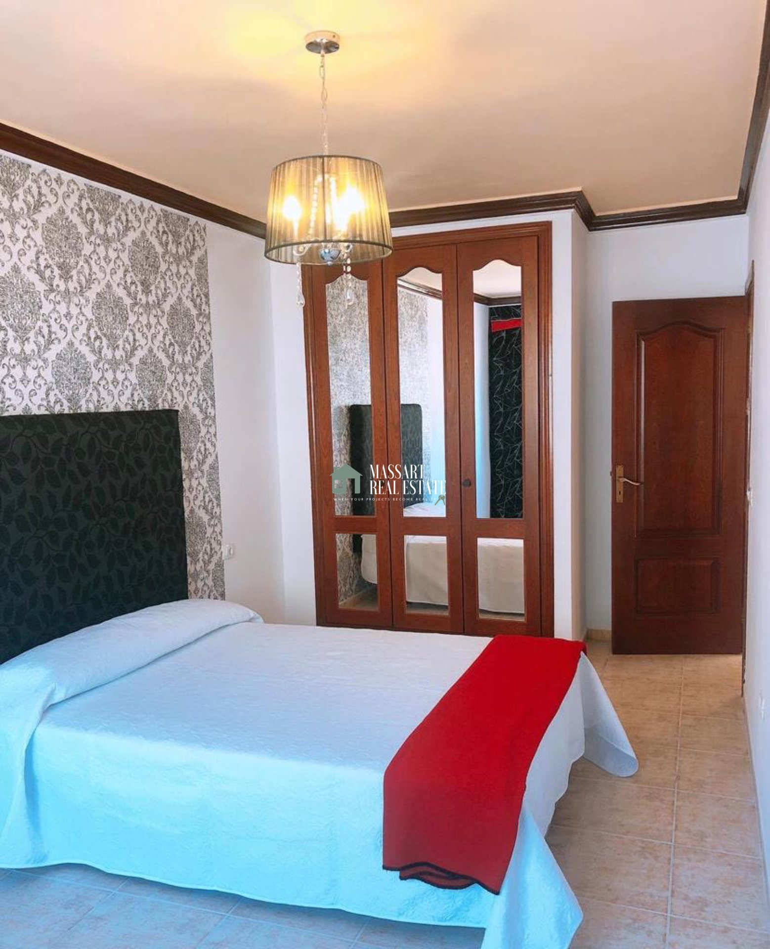 Appartement entièrement meublé caractérisé par son bon état de conservation et son emplacement stratégique, dans la ville de Fañabé (Adeje).