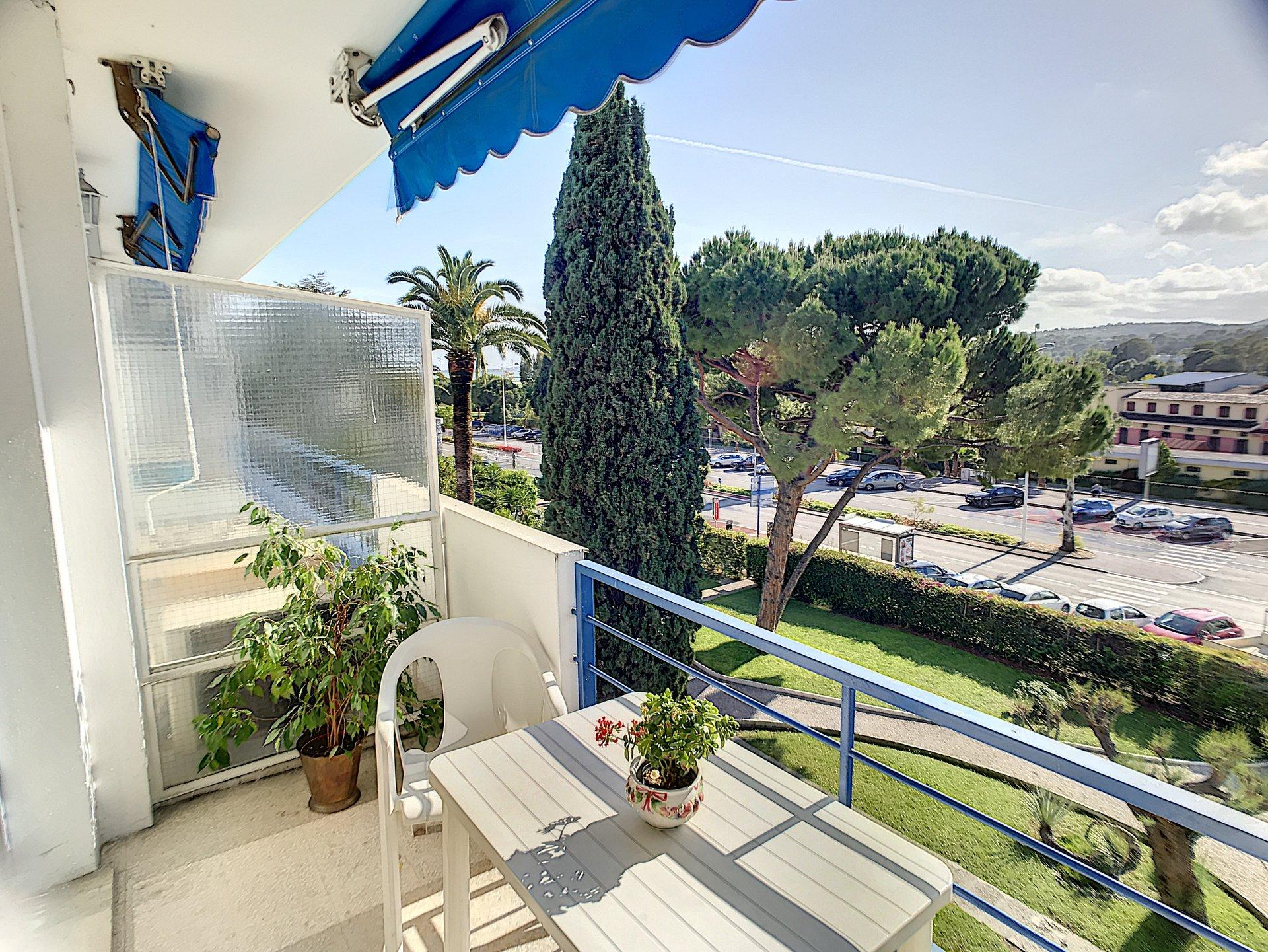 VENTE Appartement 2P CAGNES-SUR-MER Hippodrome Balcon Vue Dégagée