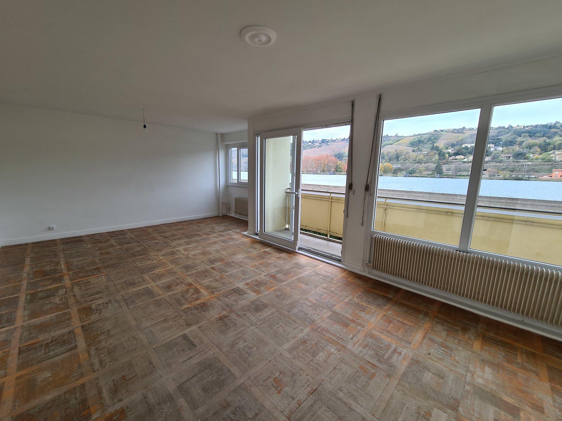 VIENNE Sud, appartement T4 de 71, 74m² avec cave et 2 balcons