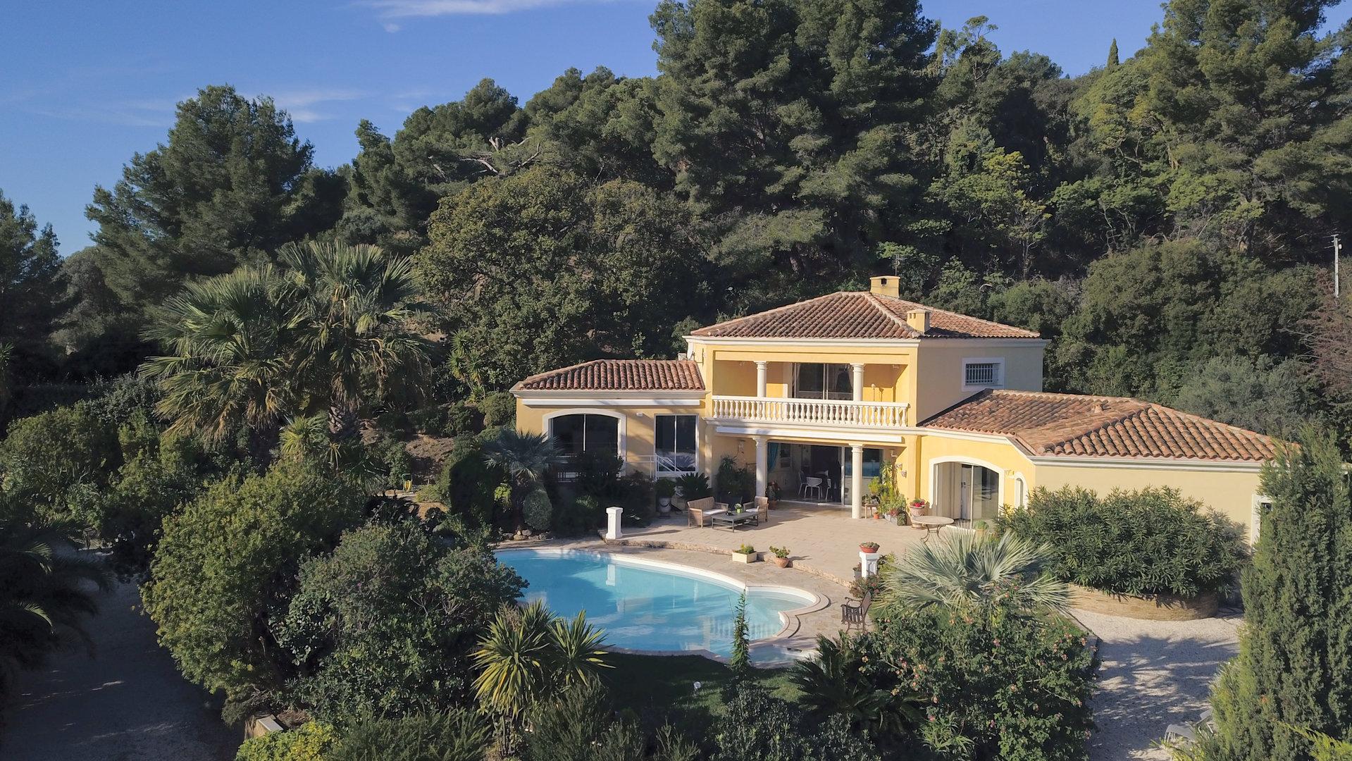 Sale Villa - Carqueiranne