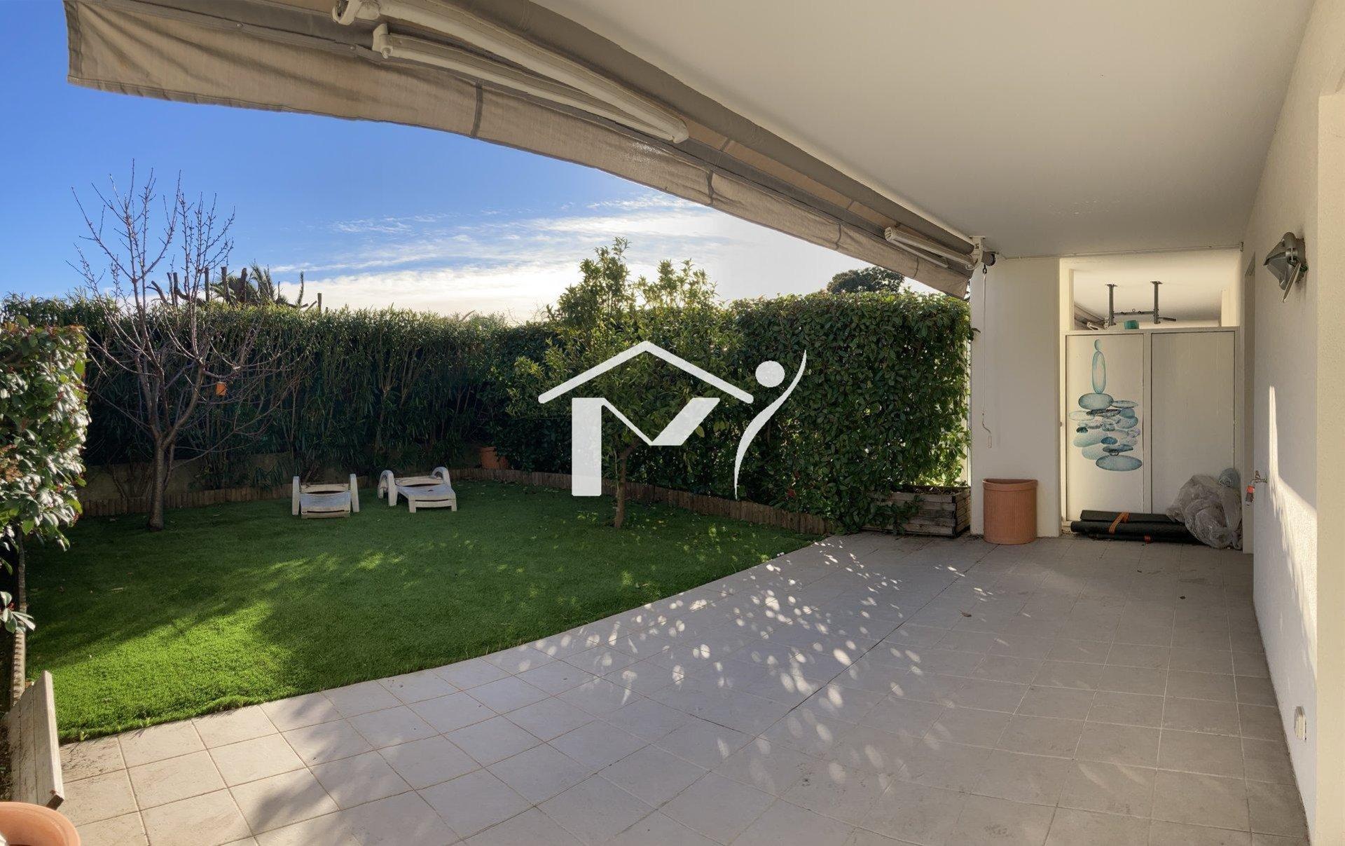 Beau 3 pièces, terrasse, jardin, garage double et Piscine dans la résidence