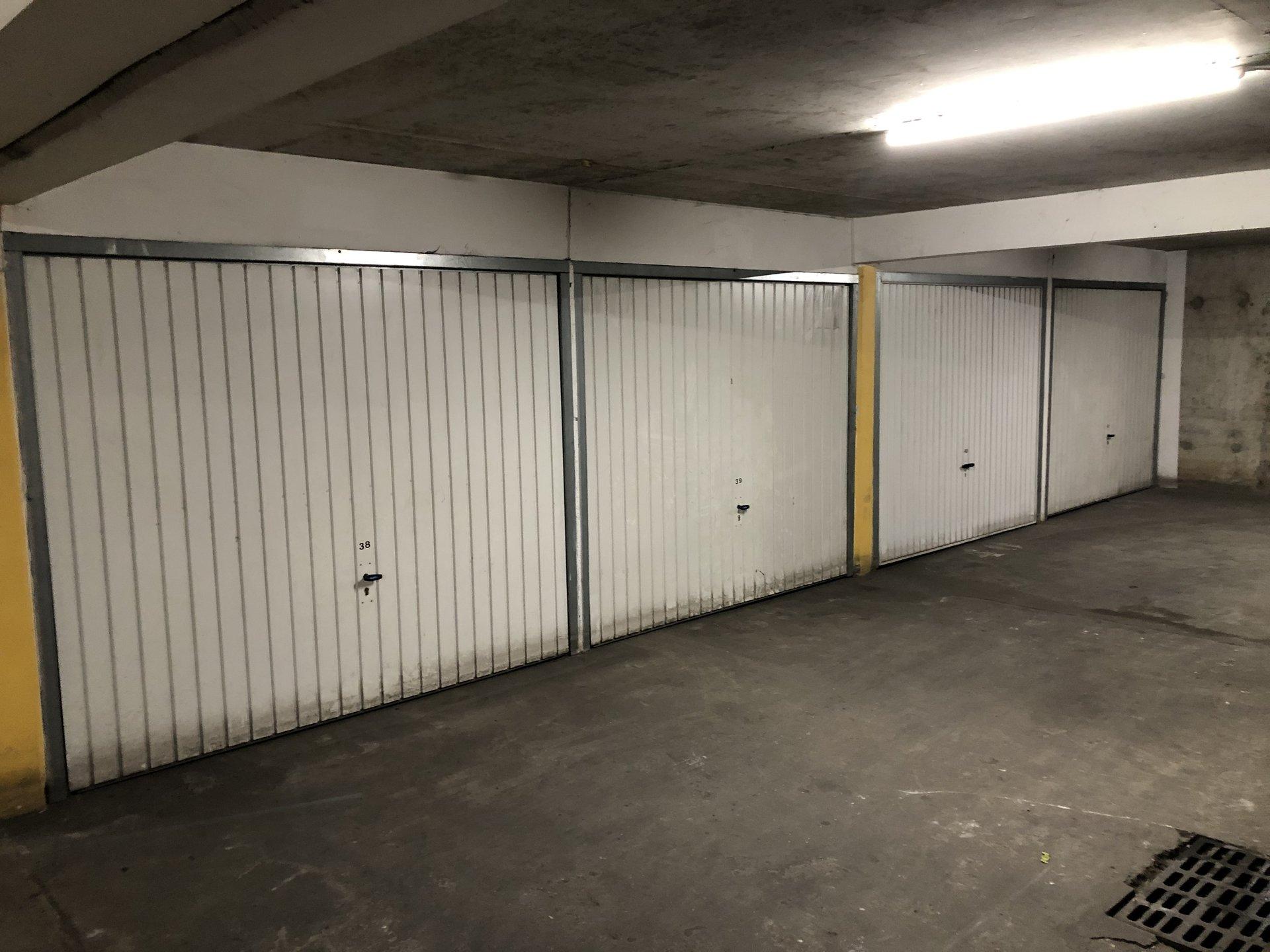 Sale Carpark - Villeurbanne Gratte-ciel