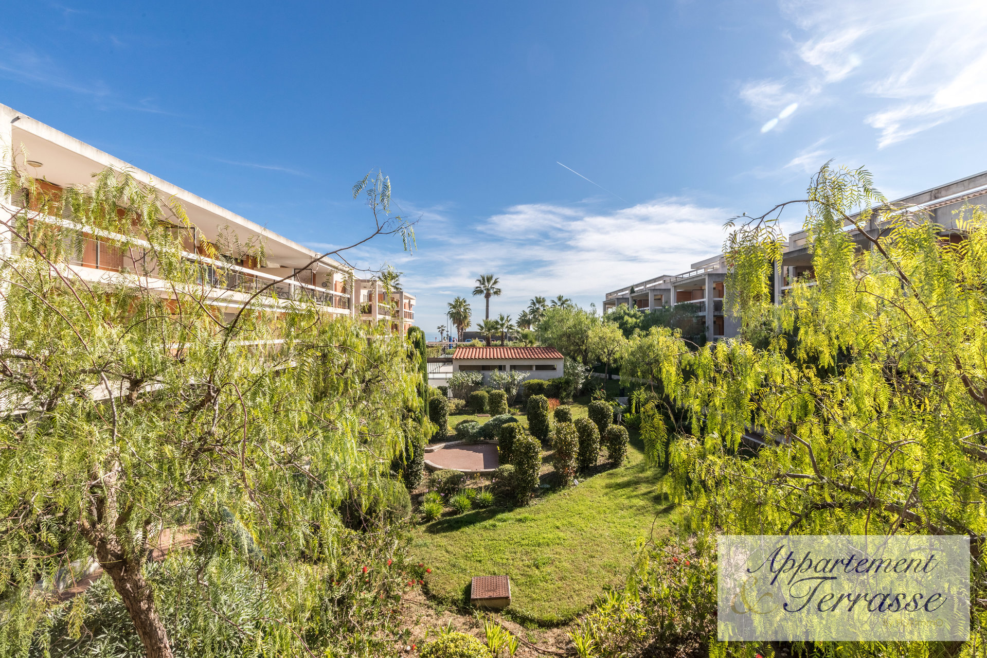 Villeneuve Loubet 2 bedrooms flat with sea view, close to the beaches