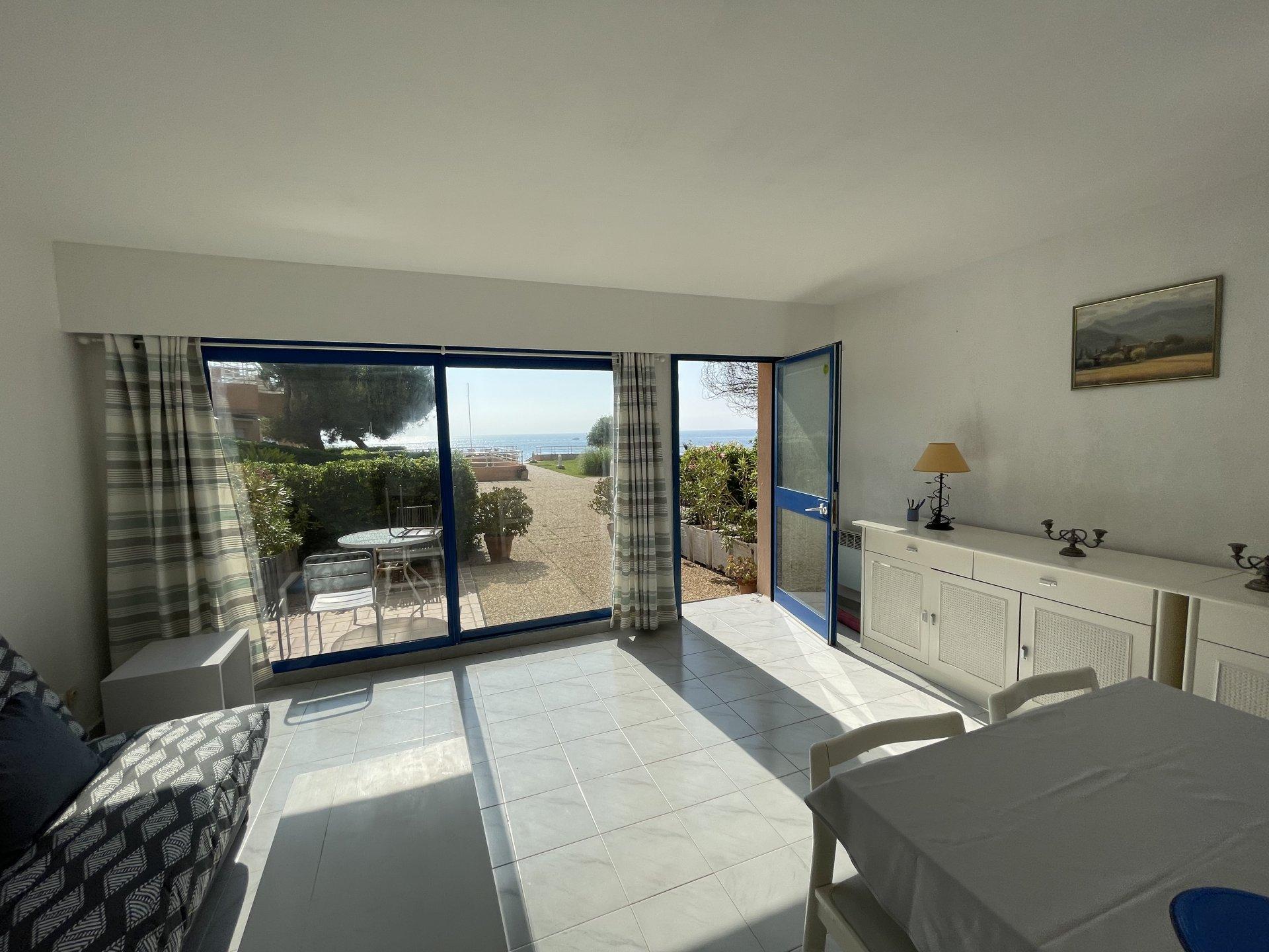 2 Zimmerwohnung mit Panoramablick auf das Meer