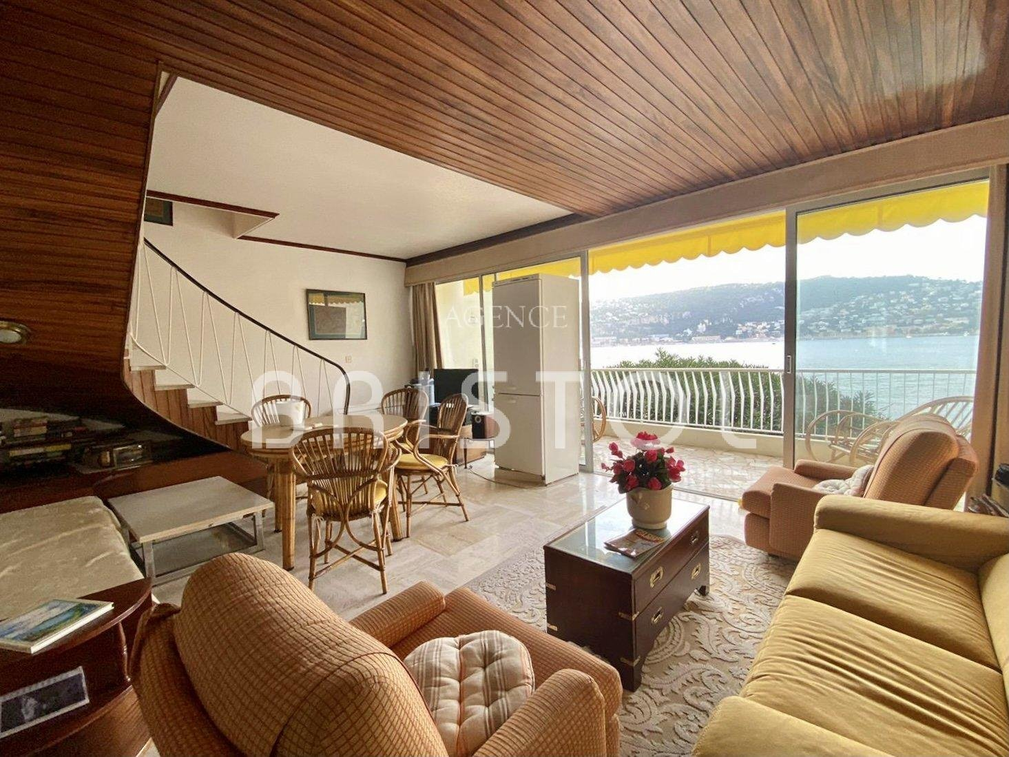 Waterfront 1 bed apartment in Cap Ferrat