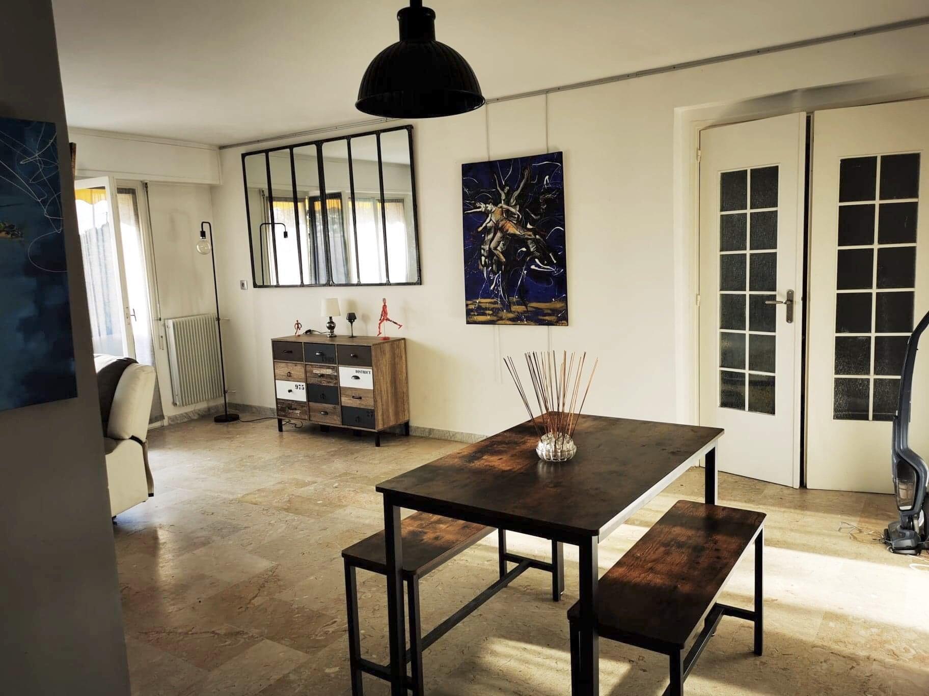 Bel & grand appartement 2Pieces meublé spacieuse terrasse
