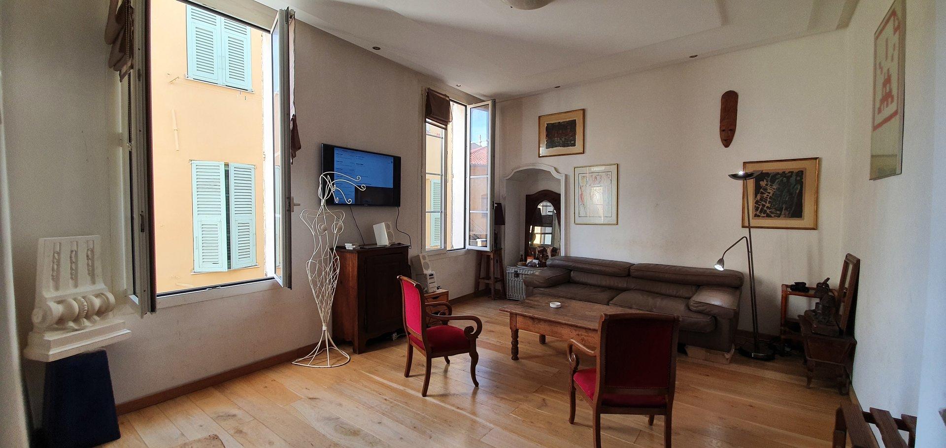 VIEUX Nice appartement 3 pièces 60m²