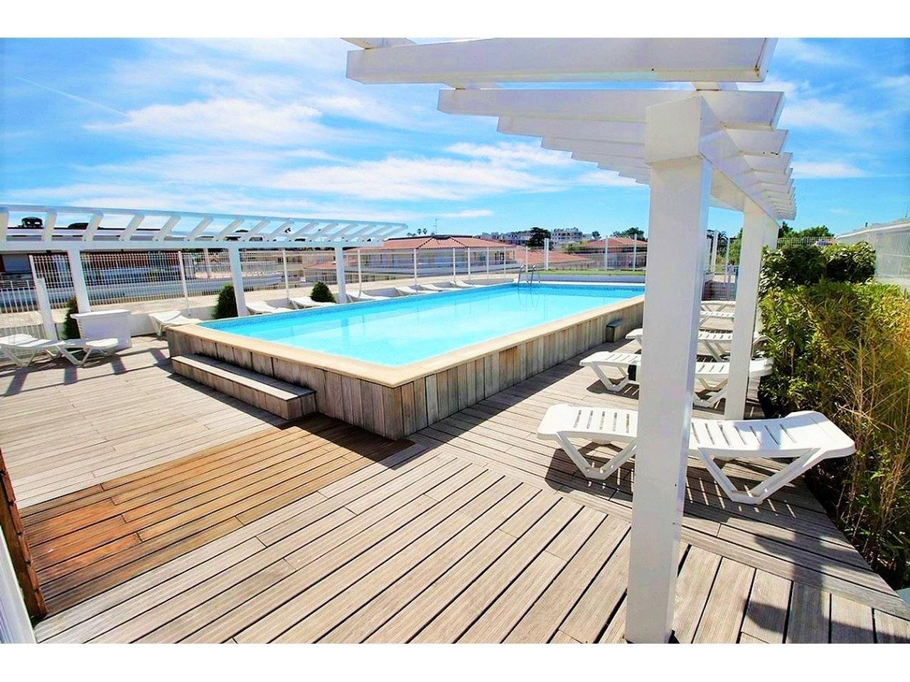 Apartment 15 min from the beach with swimming pool