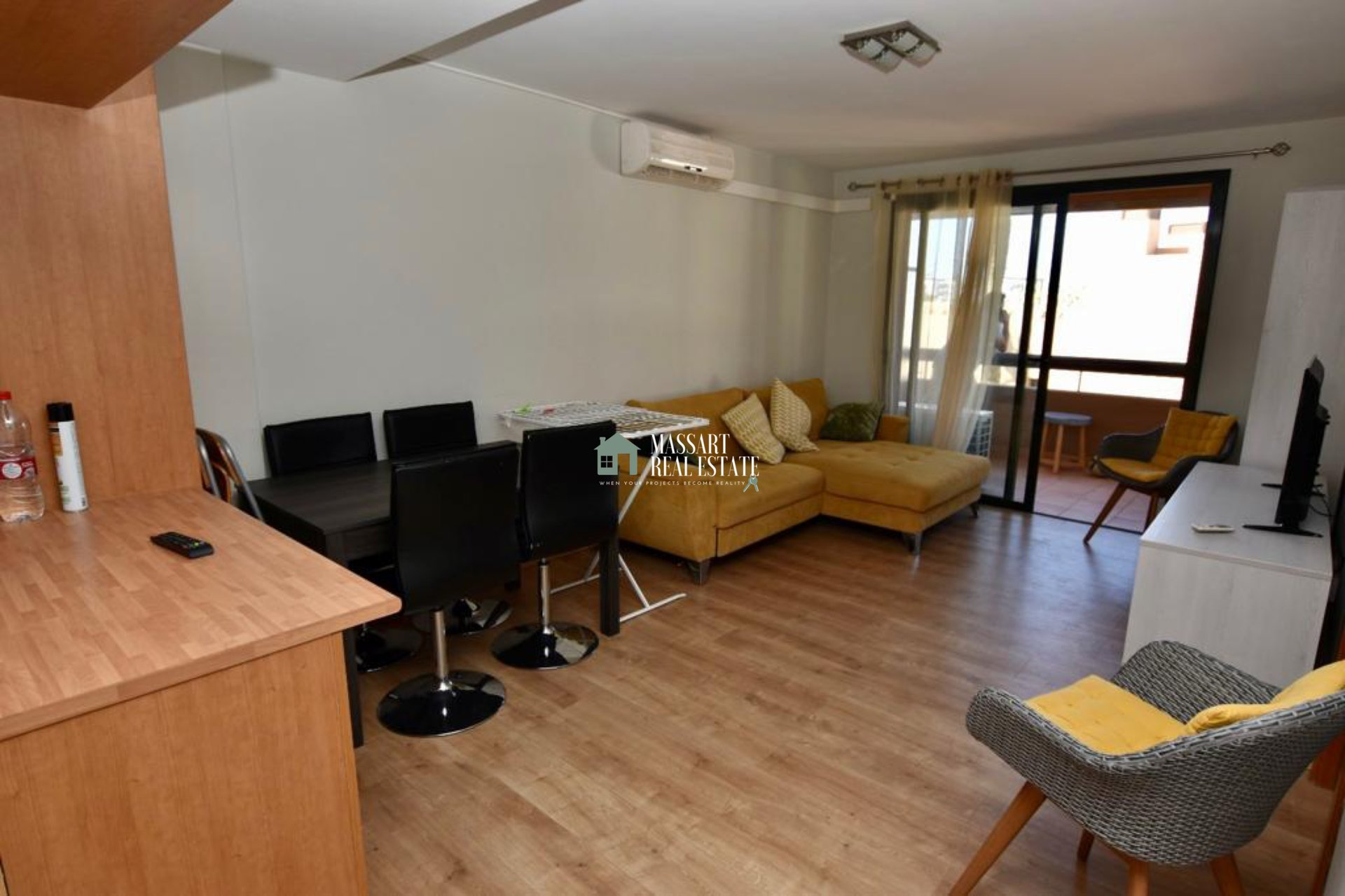 Fully furnished apartment located in the popular area of Playa Paraíso (Paraíso I).