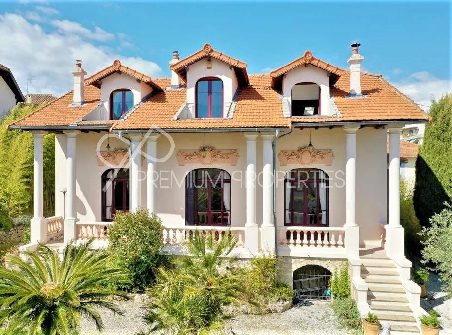 "CANNES PETIT JUAS - RENOVATED VILLA "" BOURGEOISE"""
