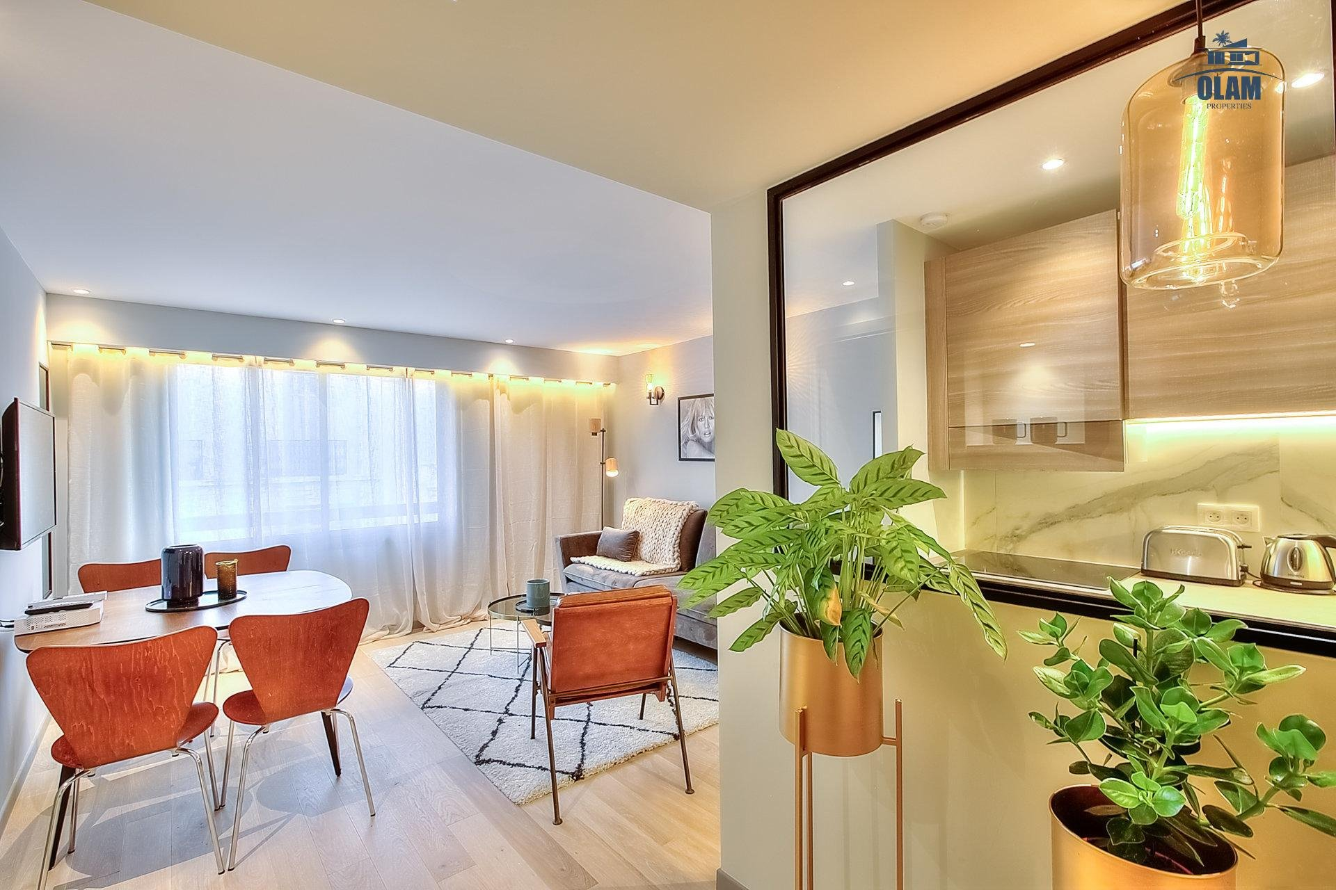 Modern architect 2 BR in Cannes - minutes to Beaches, Croisette Palais Festivals