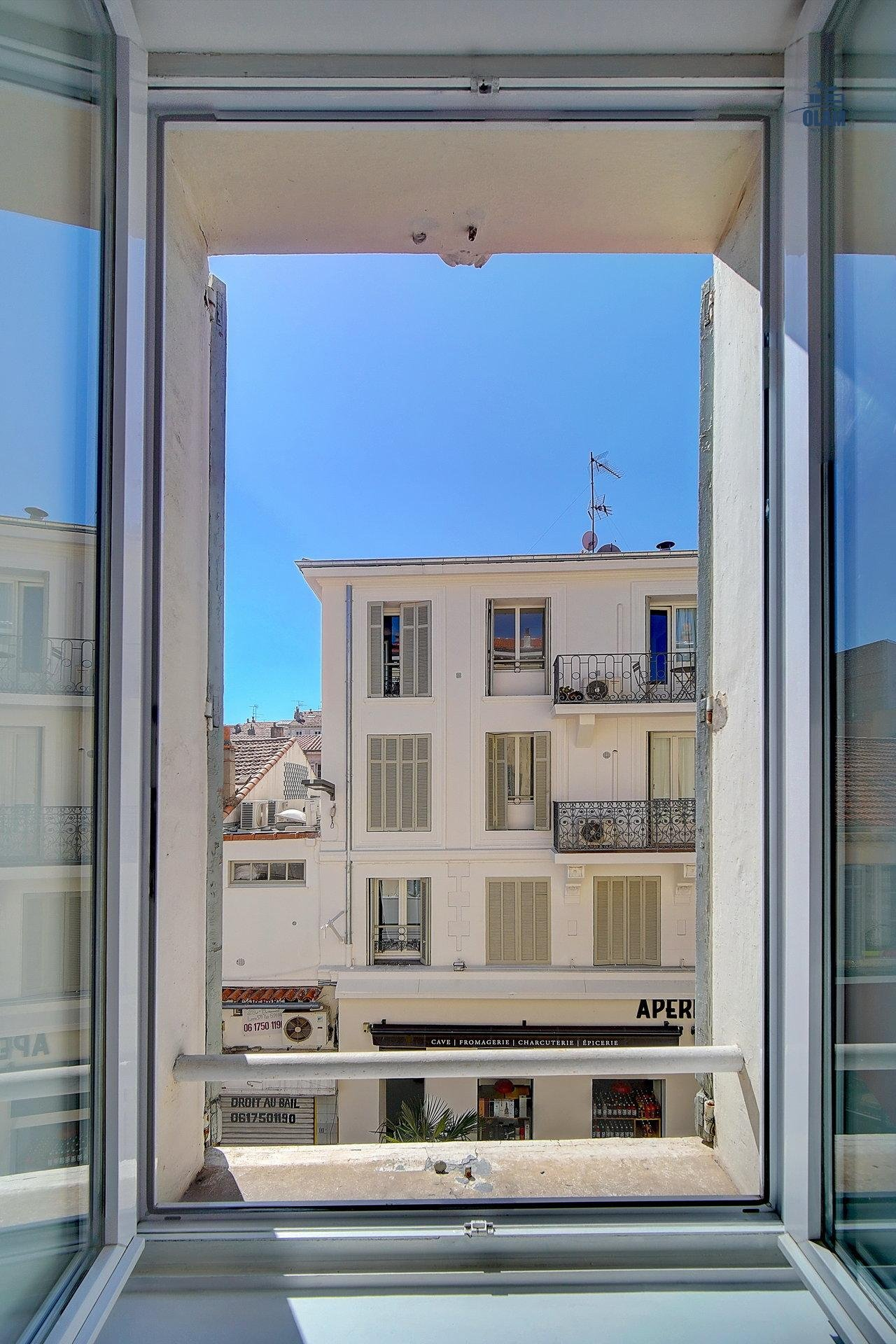 Cannes: pretty 1 bedroom fully-renovated in the heart of town
