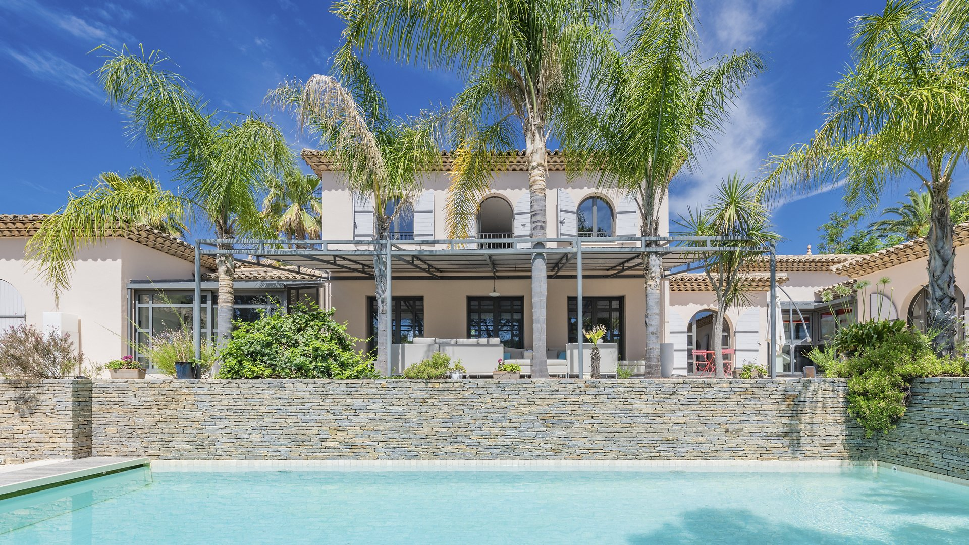 LUXURY VILLA WITH POOL IN A PRIVATE DOMAIN AT SAINT RAPHAEL