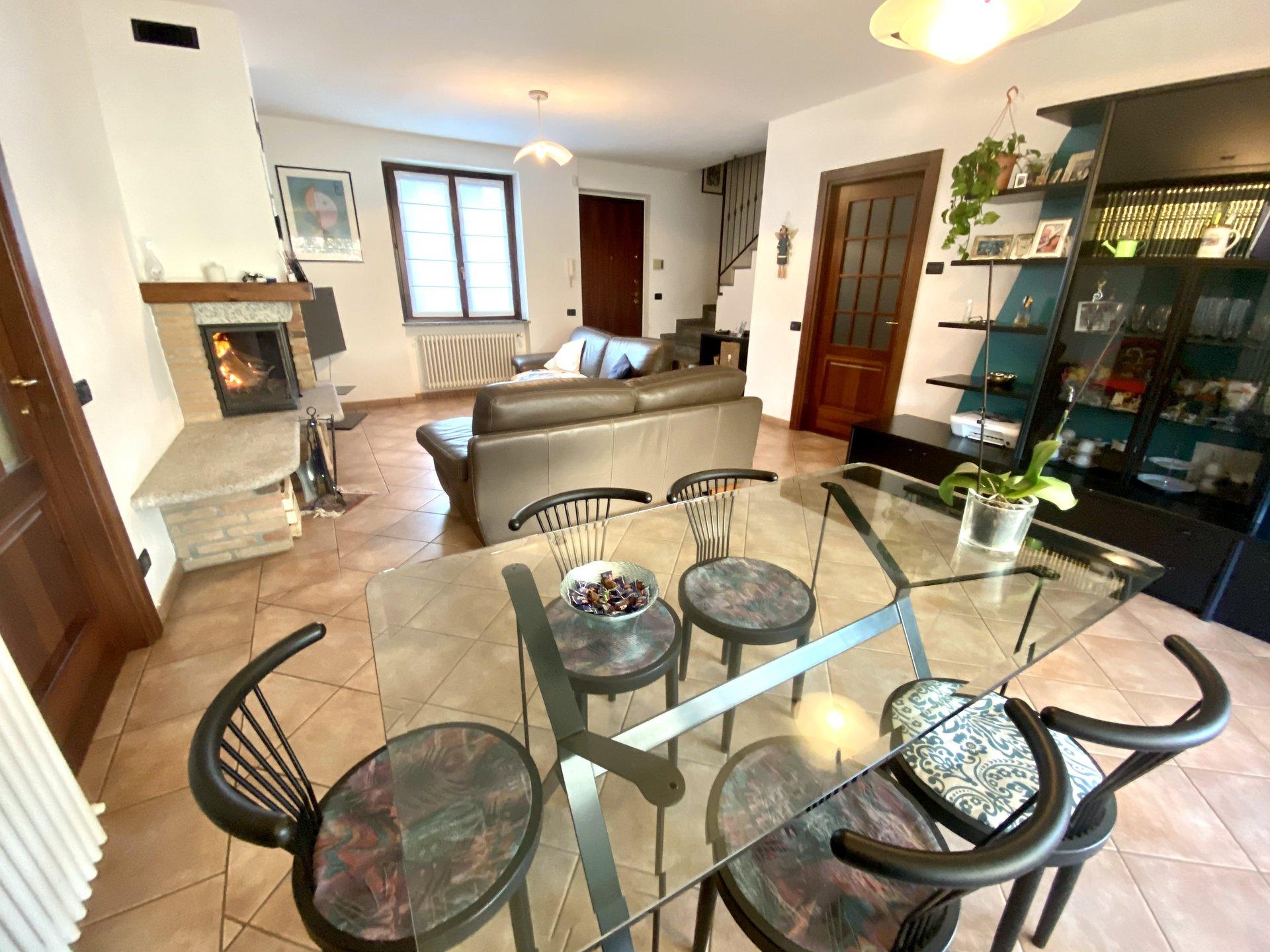 Sale Villa - Montorfano Campeggio Montorfano - Italy
