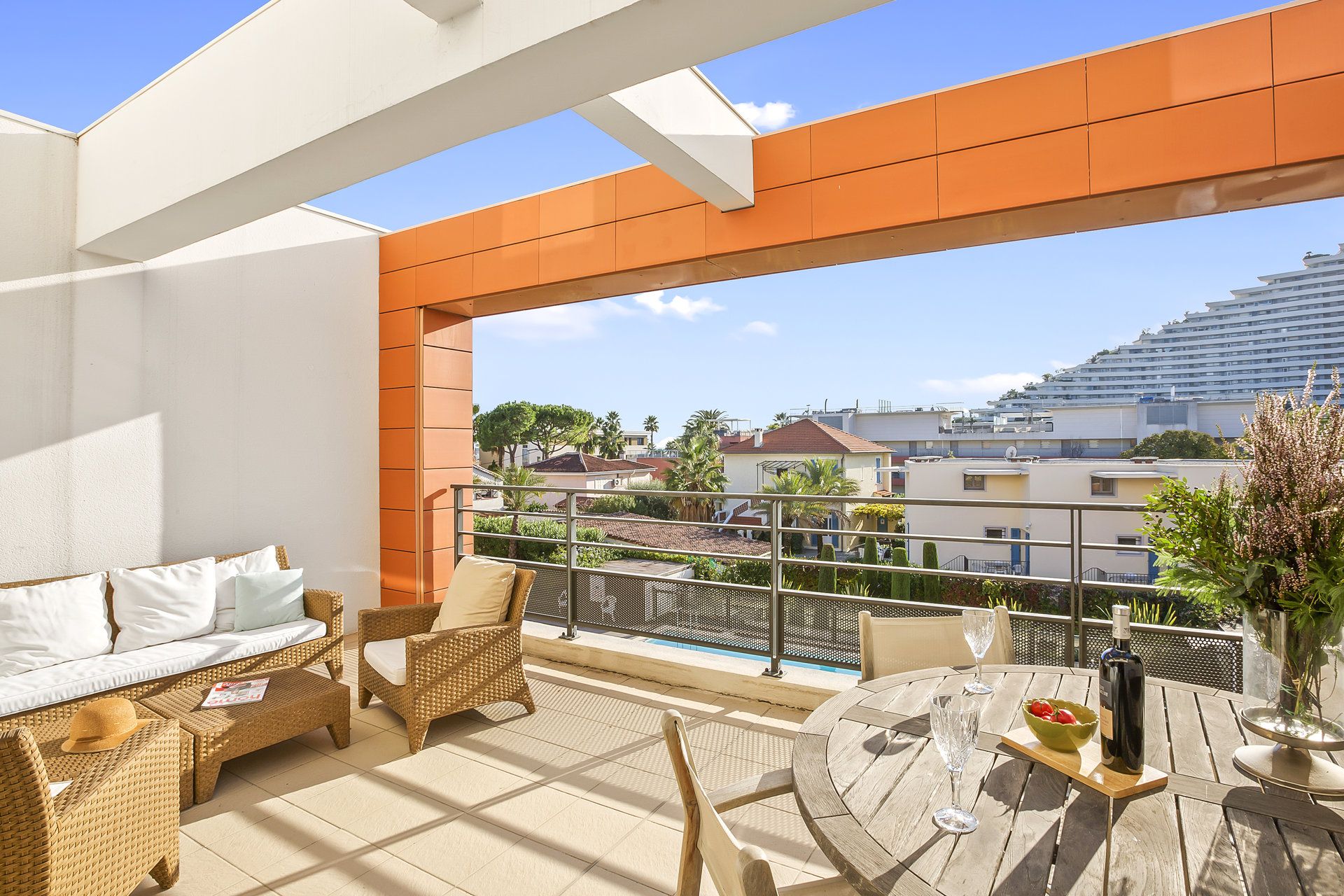Beautiful 2 bed apartment beside the sea & the Marina Baie des Anges in Villeneuve Loubet
