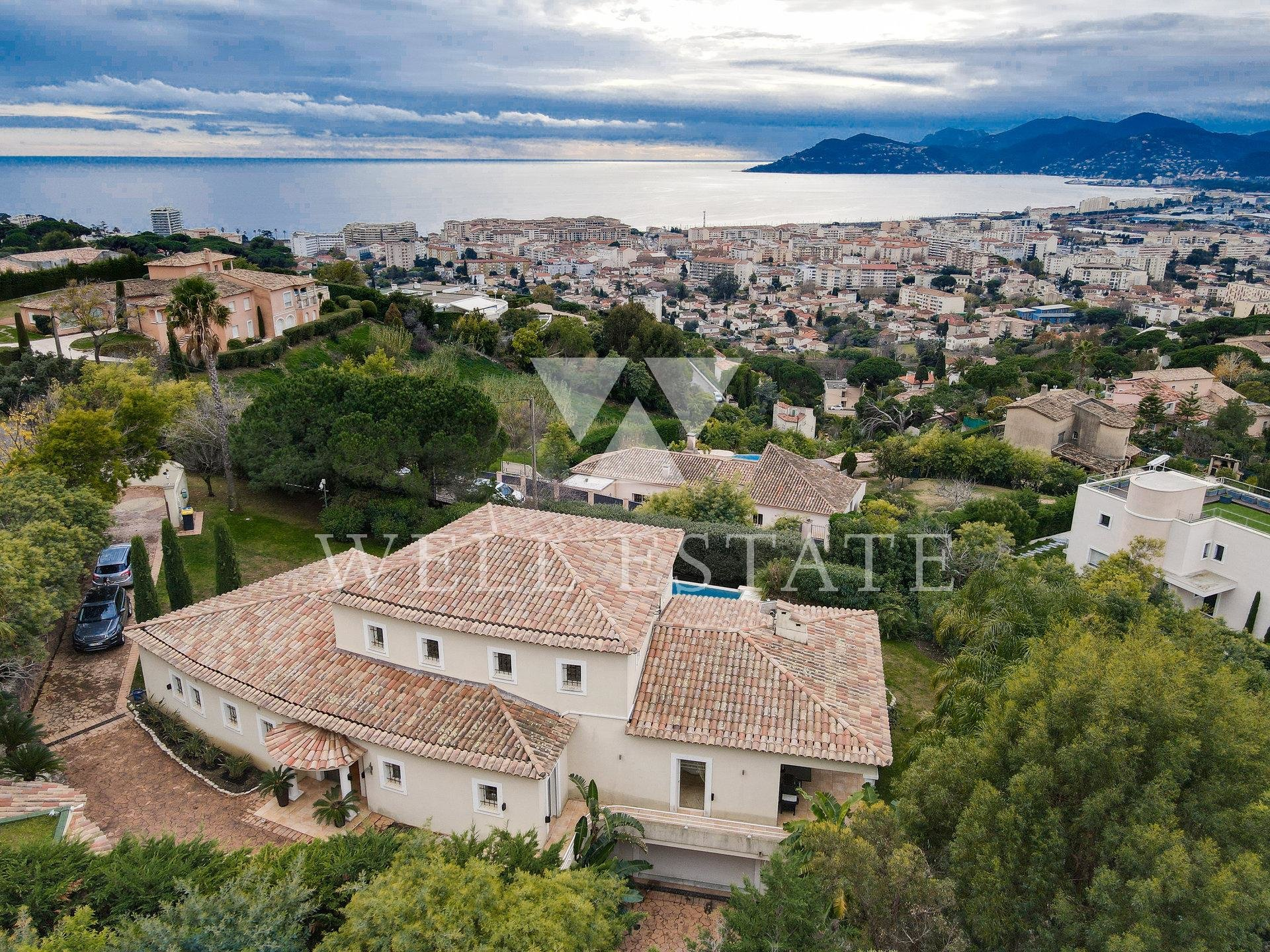 CANNES VILLA NEO PROVENCAL 270M2 WITH SEA VIEW AND HEATED POOL