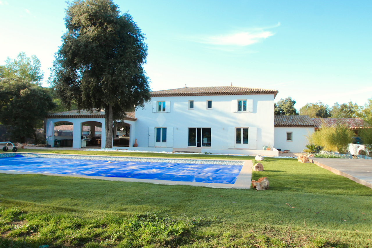 Near Vidauban - Detached modern villa on a large plot