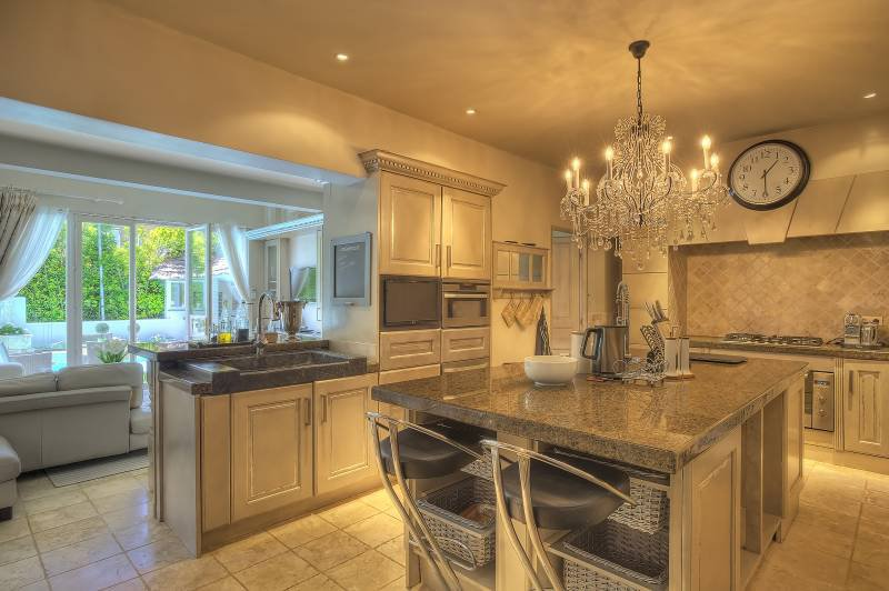 Chandelier, natural light, kitchen bar, kitchen island