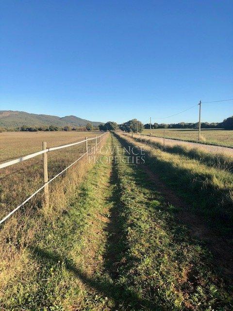Propriété équestre sur 53 hectares