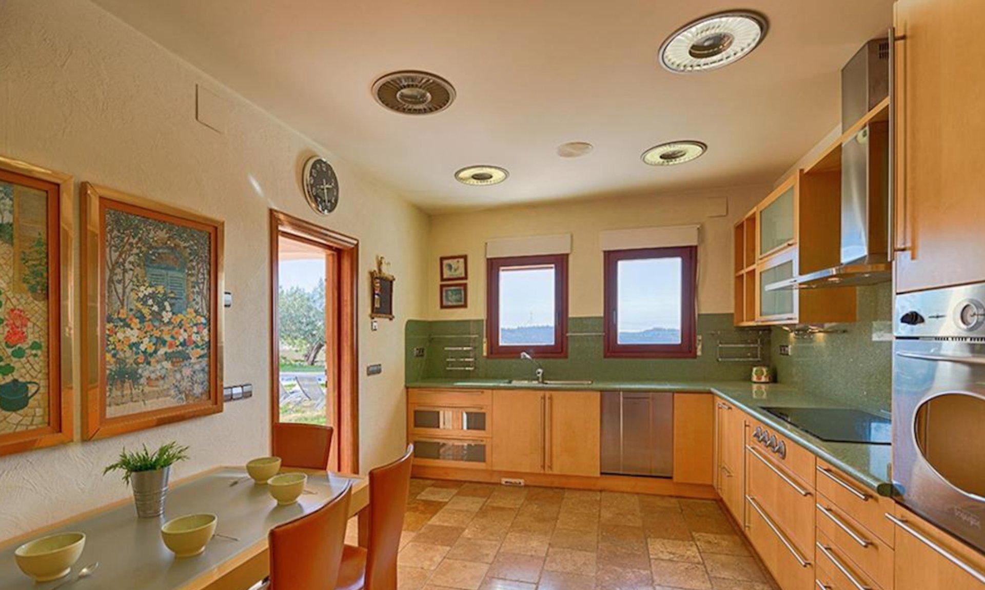 Exclusiva casa mediterránea con vistas panorámicas en Benissa