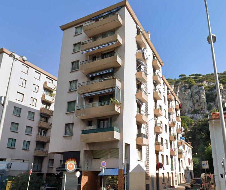 F2  de 36.04m² en étage élevé avec balcon roquebiliere/pasteur