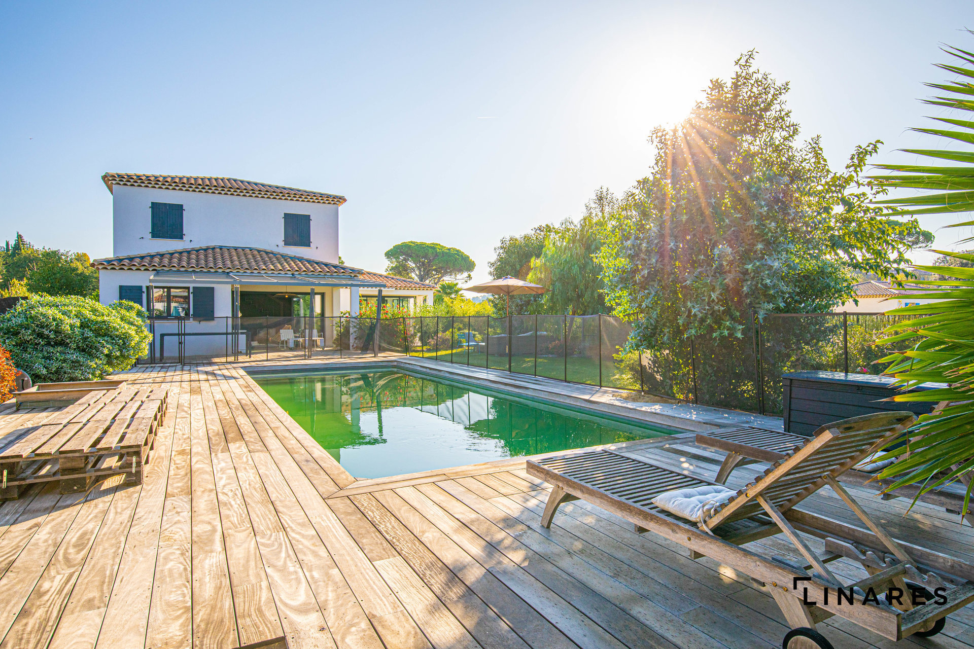 CHIC et MODERNITÉ - Villa T5/6 de 185 m2 Terrain de +1000m2 Aux Accates