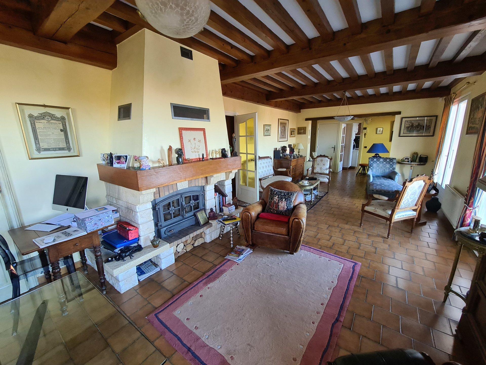 VERNIOZ, Villa T5 de 130 m² sur sous-sol complet.