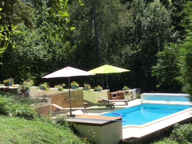 Business opportunity of a main house with two gites, pool and sauna